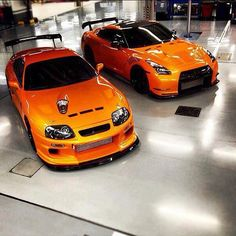 Double awesomeness and I even like the color!  Supra & GTR  = ♥
