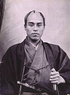 福沢諭吉(1862年、パリの国立自然史博物館にて)