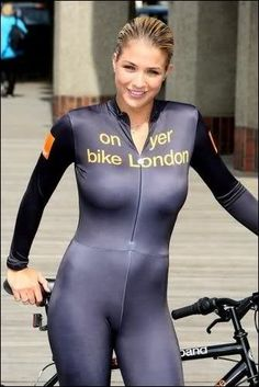 Gemma Atkinson – On Your Bike photocall Bicycle Women, Road Bike Women, Bicycle Girl, Cycling Wear, Cycling Girls, Cycling Outfit, Track Cycling, Gemma Atkinson, Radler