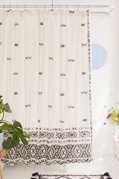 Shop Fair Isle Border Gauze Shower Curtain at Urban Outfitters today. We carry all the latest styles, colors and brands for you to choose from right here. Cool Ideas, Diy Ideas, Urban Outfitters, Douche Design, Small Showers, Simple Bathroom, Bathroom Ideas, Bathroom Organization, Bathroom Small