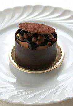 ♔ Chocolat ❥ℬℯℓℓℯ~