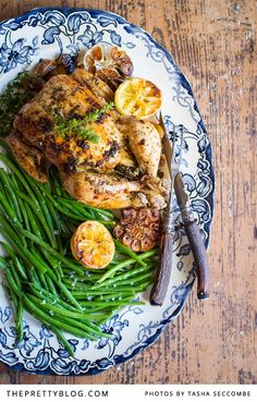 Whole roasted chicken with loads of garlic, lemon and thyme, served on a bed on green beans. Wine Recipes, Great Recipes, Cooking Recipes, Healthy Recipes, Favorite Recipes, Whole Roasted Chicken, Roast Chicken, Garlic Chicken, Lemon Thyme Recipes