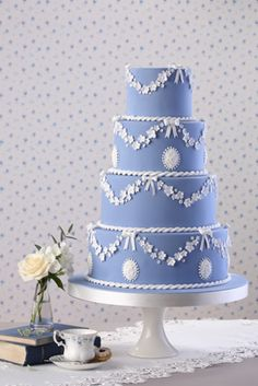 Wedgewood inspired wedding cake