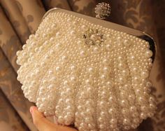 Pearl Rhinestone Bridal Clutch Wedding Purse Formal by Jojoangelly Beaded Purses, Beaded Bags, Vintage Purses, Vintage Handbags, Vintage Hats, Bridal Hair Accessories, Bag Accessories, Wedding Purse, Wedding Bags