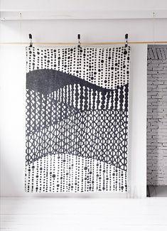 Wool Blanket with Black&White Pattern - Designer Accessories - Rafa-kids Mad About The House, Home Decoracion, Kids Blankets, Aboriginal Art, Pics Art, Fabric Art, Wool Blanket, Textures Patterns, Surface Design