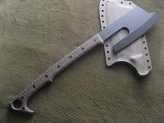 Blades Custom Axe with handle. Cool Knives, Knives And Swords, Knives And Tools, Zombie Weapons, Weapons Guns, Tactical Knives, Tactical Gear, Custom Knives, Blacksmithing