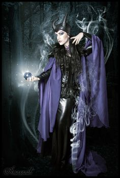 Model: Lady Amaranth Photography by EthirielHeaddress by Hysteria MachineNecklace by Atelier Selene de ViolletFeather shrug by Elegant Curiosities Welcome to Gothic and Amazing |www.gothicandamazing.org