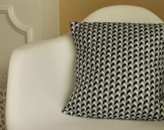 DIY Pillow Covers: Cute & Easy. Perfect way to learn how to sew