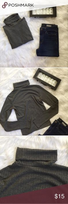 Aeropostale Gray Ribbed Cropped Turtleneck Sweater ▪️Product Description ▪️ ▫️The classic gray ribbed turtle neck from Aeropostale's brand Prince & Fox ▫️Pair it with a bold skirt or comfortable denim  ▫️60% polyester, 32% rayon, 8% spandex   ▪️Fit: True to size, form fitting in the bust, will be slightly cropped (especially if worn with low rise bottoms), stretchy fabric  ▪️Condition: Deodorant stain on lower right side, but otherwise perfect  ▪️Measurements: Approx/Laying Flat  ▫️Length…