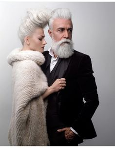 Meet Alessandro Manfredini, a 47 year old italian model. If you're looking age gracefully then making sure your beard care routine is on point will definitely help. Hair And Beard Styles, Hair Styles, Thick Beard, Costume Noir, Grey Beards, Modelos Fashion, Men With Grey Hair, Ageless Beauty, Advanced Style