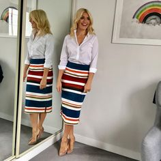 29 Spring Outfits You Will Want To Try - Global Outfit Experts - Office Outfits Winter Mode Outfits, Cute Spring Outfits, Winter Fashion Outfits, Work Fashion, Modest Fashion, Skirt Fashion, Holly Willoughby Style, Holly Willoughby Outfits, Look Office