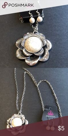 Crackle cream stone with matching earrings Lone flower necklace Jewelry Necklaces