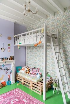 mommo design: LOFT BEDS (with pallet daybed/couch underneath)