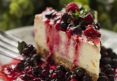 RAW CHEESECAKE - you can even eat this for breakfast!  Just like a sweet roll - but way healthier