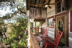 A two story room, the River Tree Loft is a very private getaway. Downstairs features a sitting area with comfy love seat sofa, mini refrigerator,...