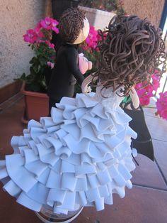 Parte trasera del vestido de un novia totalmente realizado a mano y en goma eva. Es una fofucha totalmente personalizda. elenamartinlopez.blogspot.com