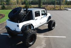 Cool hard top on this Jeep