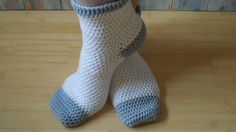 (crochet) How To Crochet Adult Socks - Yarn Scrap Friday. Not recommended for beginners! but always worth a try. Today I show you how to make some adult socks, and how to adjust the pattern for your own size. The beginning is simple but it does get Crochet Socks Tutorial, Crochet Socks Pattern, Crochet Shoes, Crochet Slippers, Crochet Clothes, Easy Crochet, Crochet Baby, Knit Crochet, Crochet Patterns