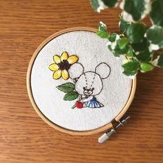 いいね!115件、コメント3件 ― 刺繍☆itonohacoさん(@itonohaco)のInstagramアカウント: 「完成しました 赤い長靴に、ストライプのワンピース。そして、向日葵持ってます  #刺繍  #embroidery  #broderie  #刺しゅう  #flower #ルルロロ…」