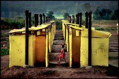 Um jovem refugiado da guerra civil em Moçambique, Campo de Refugiados no Malawi, 1988. Peter foi ao longo de duas décadas correspondente da revista Newsweek© PETER TURNLEY-CORBIS