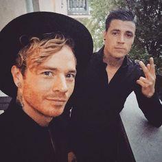Sauli & a friend https://instagram.com/p/8V3BmfFmgz/ (from Sauli's Instagram)