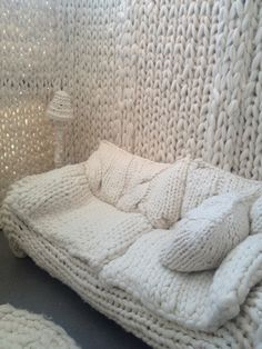 Giant Knitting — Wool House by Annie Belle, knit from wool roving. Giant Knitting, Arm Knitting, Knitting Patterns, Knitting Wool, Textiles, Crochet Home, Knit Crochet, Tricot D'art, Extreme Knitting