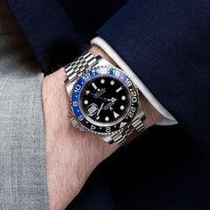 Fine Watches, Cool Watches, Rolex Watches, Mens Designer Watches, Luxury Watches For Men, Rolex Batman, Wear Watch, Swiss Army Watches, Rolex Gmt Master