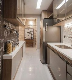 Decorating Kitchen *** Improvements That Increase Safety In Your Home -- Thanks for viewing our photograph. Apartment Kitchen, Apartment Design, Kitchen Interior, Kitchen Decor, Decorating Kitchen, Style At Home, Exterior Wall Cladding, Cuisines Design, Interior Design Tips