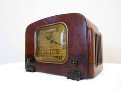 Vintage 1940s Old TRUETONE Mantel Style Depression Era Antique Clock Radio | eBay