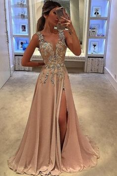Fashion Prom Party Dresses With Beaded, Chic Long Evening Gowns, Beaded Formal Gowns Mode Prom Party Kleider mit Perlen, schicke lange Abendkleider, Perlen formelle Kleider. V Neck Prom Dresses, Grad Dresses, Prom Party Dresses, Homecoming Dresses, Dress Prom, Dresses Uk, Barbie Dress, Goddess Prom Dress, Split Prom Dresses