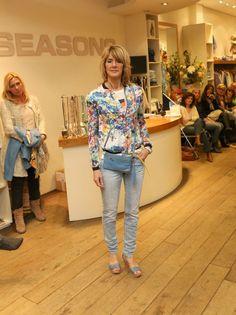 Nu bij Seasons: SUPERSALE: Floral jackets! 50-70%korting!
