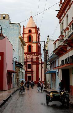 Iglesia de Nuestra Senora de la Soledad in Camaguey, Cuba (by Bert S).