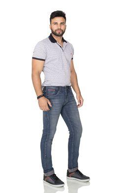 2458aa6db Calça Jeans Masculina com Barra Dobrada. Tendência da Coleção  Outono/Inverno 2018 People's Jeans