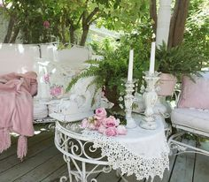 French Country Porch, She Shed Decorating Ideas, Shabby Chic Patio, Garden Decor Items, Garden Structures, French Decor, Backyard Ideas, Porches, Cottage
