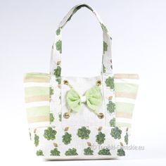 Lekka torba plażowa w odcieniach zieleni, beżu i ecru. Duża, efektowna, zamykana na suwak