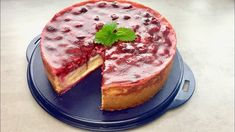 Himbeer-Pudding Kuchen - Thermomix® - Rezept von Thermiliscious Desserts Thermomix, Camembert Cheese, French Toast, Breakfast, Food, Youtube, Puding Cake, Chocolate Candies, Treats