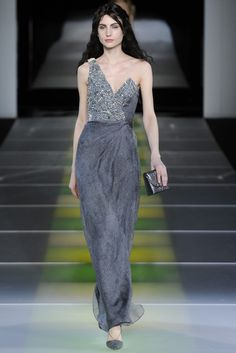 Giorgio Armani RTW Fall 2014 - Slideshow - Runway, Fashion Week, Fashion Shows, Reviews and Fashion Images - WWD.com