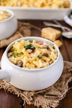 Cafe Delites | Creamy Chicken and Mushroom Macaroni Cheese Bake | http://cafedelites.com