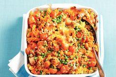 Italiaanse ovenschotel met fusilli, tomatensoep, tuinerwten, cherry tomaten, tonijn en kaas