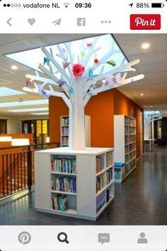 School Building Design, School Library Design, Teen Library, Elementary Library, Childrens Bookstore, Kindergarten Design, Library Inspiration, Library Furniture, School Displays