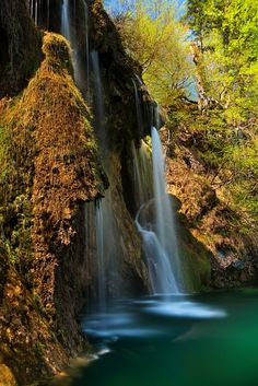 Plitvice lakes, Croatia - by Daniel Řeřicha Parc National, National Parks, Beautiful World, Beautiful Images, Places Around The World, Around The Worlds, Les Balkans, Plitvice Lakes National Park, Les Cascades
