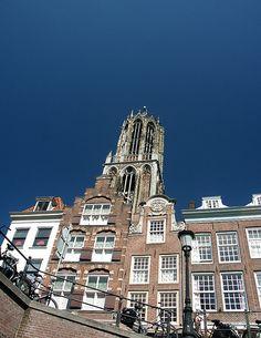 De Utrechtse Dom, gezien vanaf een bootje in de Oudegracht