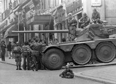 Panhard participating in the Portuguese Army coup and Carnation Revolution of 25 April 1974 Military Armor, Armored Fighting Vehicle, Lisbon Portugal, Back In Time, Portuguese, Military Vehicles, Revolution, The Incredibles, Carnation