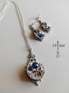 off Steampunk Jewelry set in Bermuda by SteamRetro Gift Sets, Steampunk, Pendant Necklace, Unique Jewelry, Handmade Gifts, Etsy, Kid Craft Gifts, Craft Gifts, Costume Jewelry