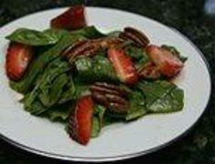 Strawberry Spinach salad w/pecans