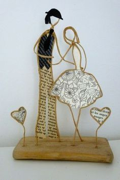 Afbeeldingsresultaat voor ficelle et papier Wire Art Sculpture, Sculptures, Saint Valentine, Valentines, Wire Ornaments, Driftwood Art, Wire Crafts, Creative Gifts, Paper Art