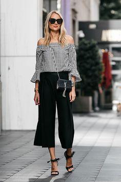 O vichy invadiu o street style e é ótima combinação para calças de alfaiataria e sandálias