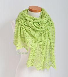 Lace crochet shawl Green shawl green lace shawl green by Berniolie https://www.facebook.com/Berniolie-440248762699969/?ref=hl