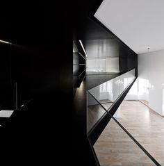 Apartment in Junqueira, Lisbona, 2012 - Aspa Arquitectos Architecture Design, Cabinet D Architecture, Angular Architecture, Residential Architecture, Apartment Projects, Apartment Renovation, Aspen, Black And White Interior, Black White