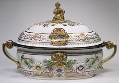Tureen and cover with Russian imperial coat of arms, ca. 1735  Austrian; Vienna, Du Paquier period  Hard-paste porcelain